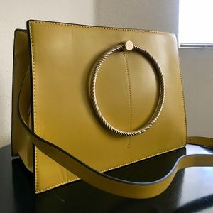 3eb7ceecc38 Zara Bags   Bnwt Tote Bag W Gold Handles And Extra Strap   Poshmark